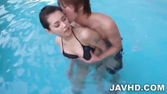 Guy fucking hot Maria Ozawa in the swimming pool