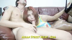 Amateur girl is giving good Asian sex service to the cock